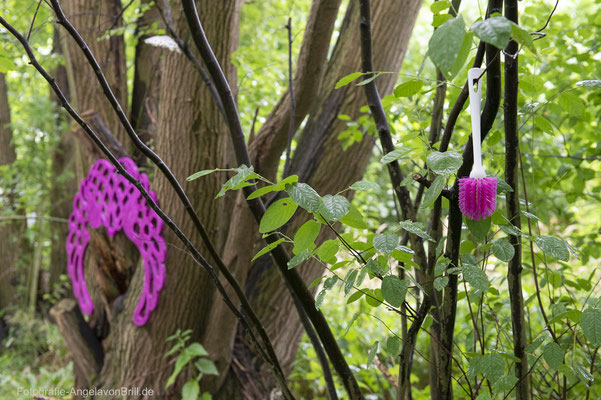 Baum-Kronen von Eva Preckwinkel und Guerilla-Kunst
