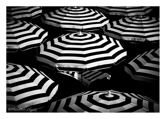 "#0001 ""Hypnotic Circles"" (Nice, France, 2015)  Ltd of 25"