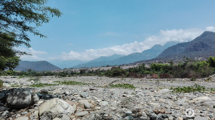 The river is lacking some water in the dry season