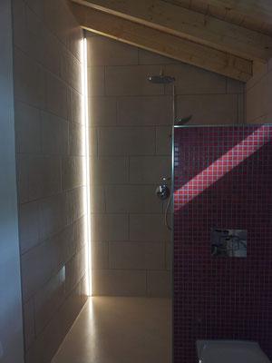 Lichtplanung Neubau – Licht im Badezimmer / Dusche – Ferienhaus Stock und Stein – Gerolstein-Roth / Eifel
