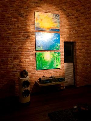 Akzentbeleuchtung für das Triptychon CONNECTED von der Künstlerlin Susanne Herbold