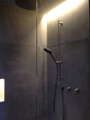 Indirektes Licht im Badezimmer, Wohnhaus Köln