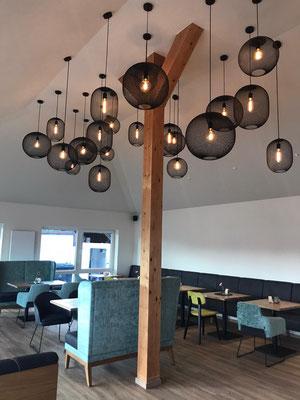 Hofanlage Vorgebirgsblick – dimmbare Grundbeleuchtung für das Restaurant