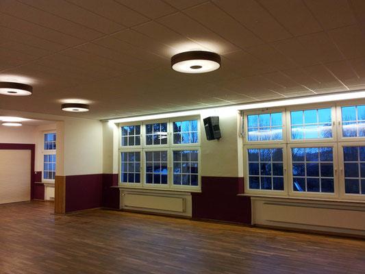 Neues Licht für den Veranstaltungsraum im Gemeindehaus Berndorf / Eifel