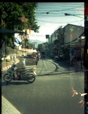 Thai Streets II (2014), Analoge Fotografie, verschiedene Größen und Kaschierungen verfügbar. (Preis auf Anfrage)