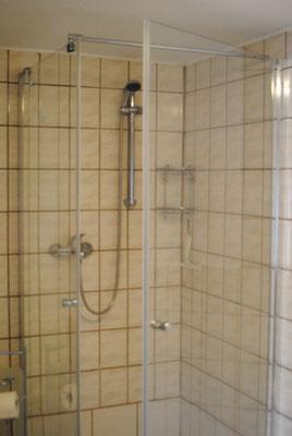 Dusche / Bad
