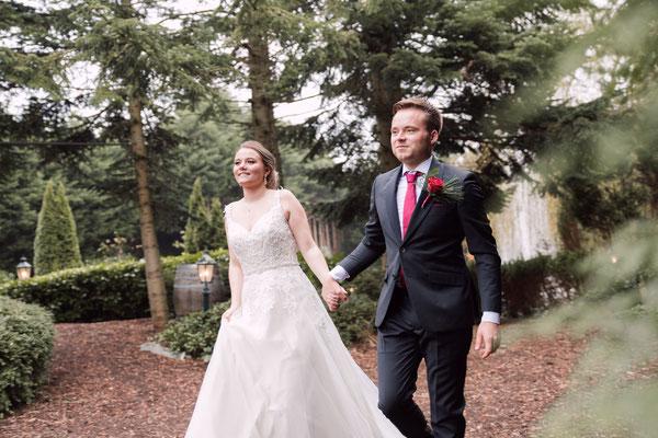 op weg naar de huwelijksceremonie