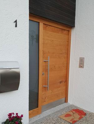Moderne Eingangstür