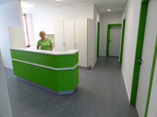 Umbau von ehemaligen Sparkassenräumen in eine Arztpraxis