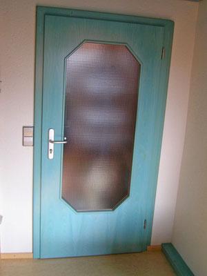 Türe mit moderner Gestaltung