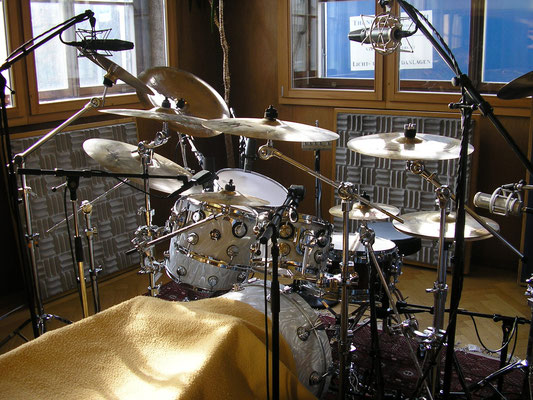 d.o.m. drums