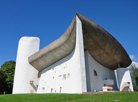 Chapelle Notre-Dame du Haut à Ronchamp (architecte : Le Corbusier)