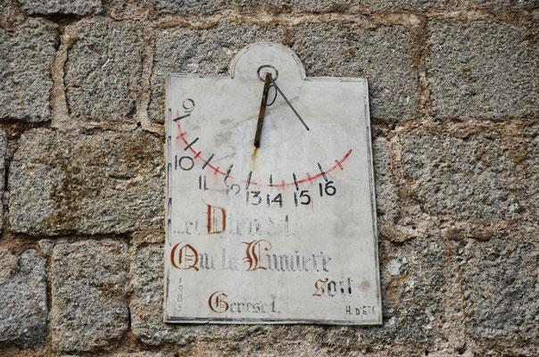 Cadran solaire du temple du Pont de Montvert (Lozère)