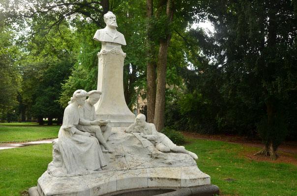 Monument de Jules Verne (Amiens)