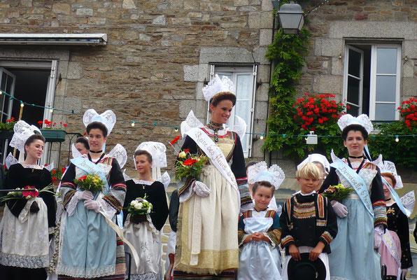 Fête des Fleurs d'Ajonc à Pont-Aven (Bretagne)