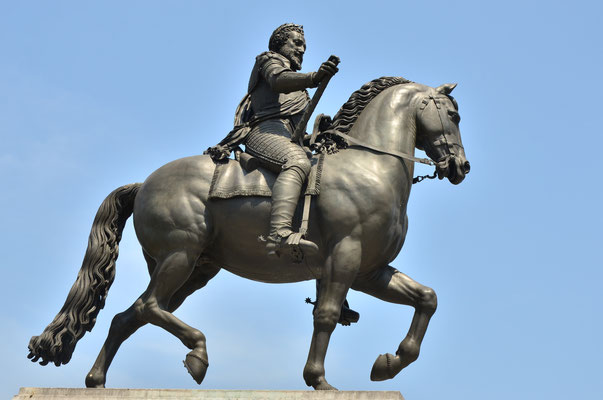 Statue de Henri IV (Paris)