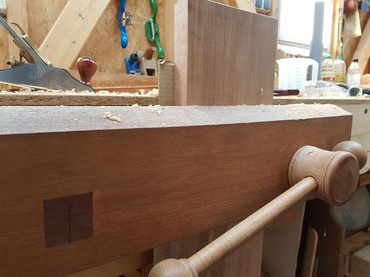 Bench vise wood. Vorderzange mit Holzantrieb, Holzspindel. Wooden screw for bench vice.