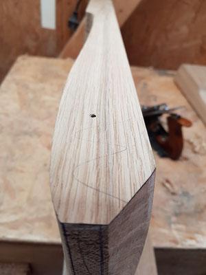 Modelierte Sitzfläche aus Eiche im Profil. Carved oak seat for rocking chair.