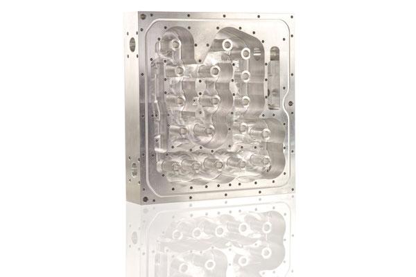Aluminium; ca. 300x300x50mm