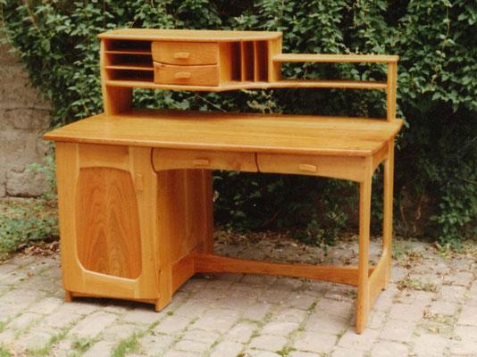 Ein uriger Schreibtisch