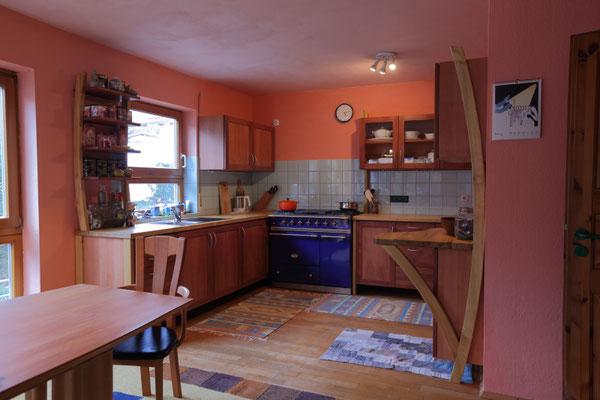 Küche aus Elsbeere und Robinie