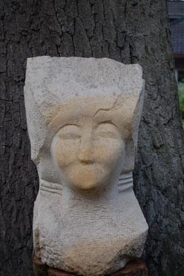 """"""" Medusa der 12 Profile"""" - 2006, 25x45cm, Sandstein"""