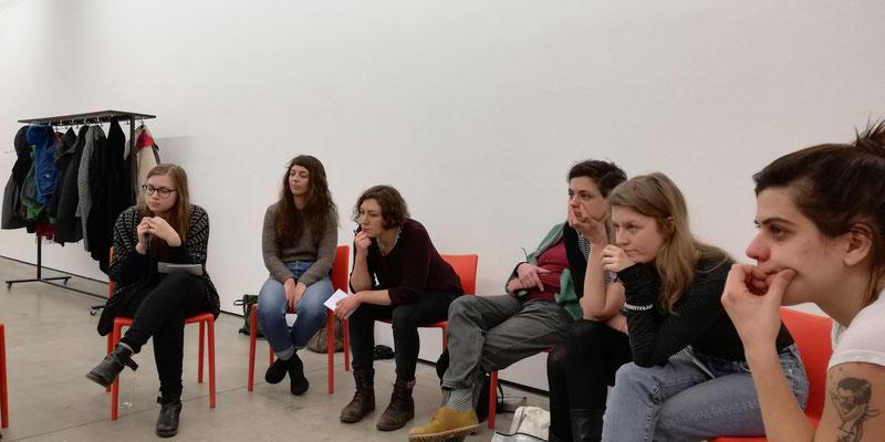 erster Workshop, v.l.n.r. Franka, Leonie Schlager, Naemi Handler, Charlotte Manzano, Anna Manzano, Lydia Sumbera, Anna Herzog Foto: Reinhold Bidner
