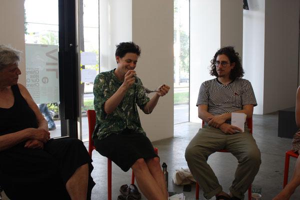 zweiter Workshop, v.l.n.r. Charlotte Manzano, Anna Manzano mit Rhizom II, Markus W. Schneider, Foto: Lilian Wieser