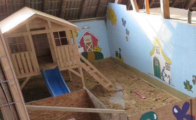 Spielraum indoor Bauernhof RLP