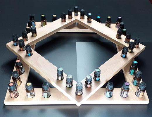 """Nr. 21 Aufsteller """"Stern"""" aus Buchenholz Stab. Lackiert mit 20 Lochbohrungen für 15 ml Flaschen, und 20 Bohrungen für 5 ml Flaschen, grösse 50.5 x 50.5 cm Fr. 138.00"""