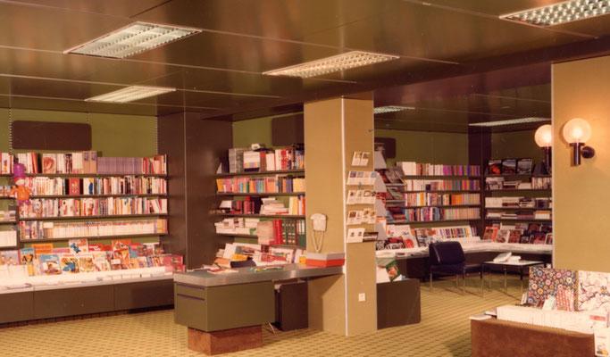 Buchhandlung im 1.Stock