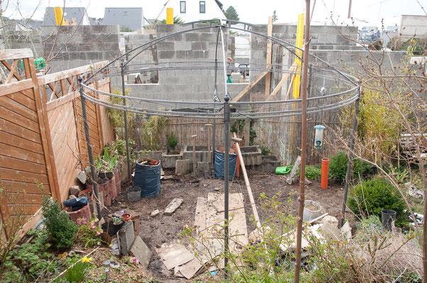 Die Geländeanhebung wird auch die Treppe verkürzen