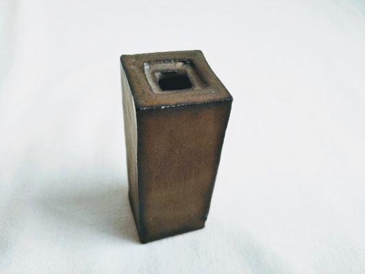 据え置タイプ(小)3.0x3.0cmx高さ7.0cm 2530円