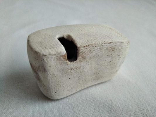 一輪挿し(白泥)約5.5x3.0x高さ3.5cm 1980円