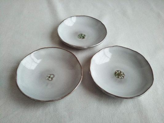 花紋豆皿 φ約9.0cm 935円