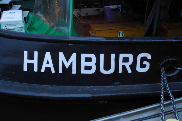 12- Hamburg, Schiff, Schriftzug, Hafen