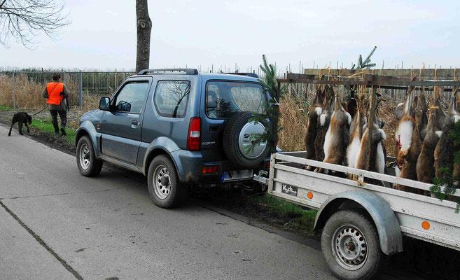 104- Jäger mit Beute, Bret, Wild Jagd, Fasane, Hasen, Rehe