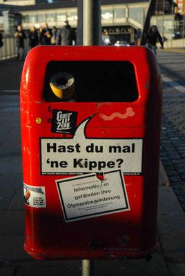 16- Hamburg, Müleier, Papierkorb, Sprüche, Stadtreinigung, rot, hast du mal ne kippe