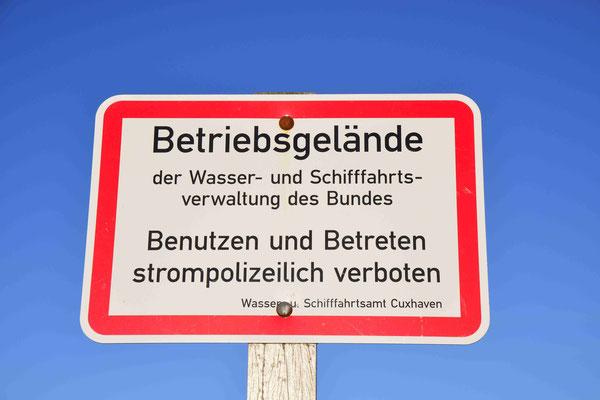 102- Betriebsgelände, Wasser- und Schiffahrtsverwaltung des Bundes, strompolizeilich, Betreten verboten