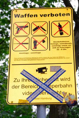 10- Hamburg, Reeperbahn, Schild, Waffen, Verbot
