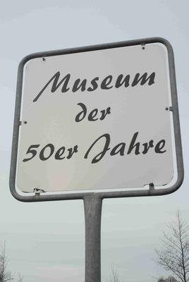 112- Museum der 50er Jahre, Schild, Bremerhaven
