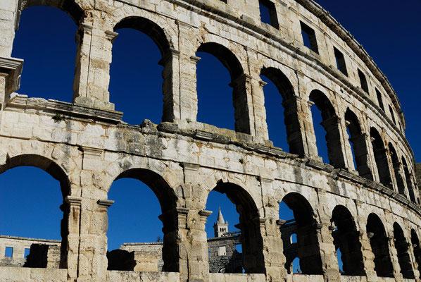 10 - Römisches Amphitheater in Pula Kroatien - Istrien.