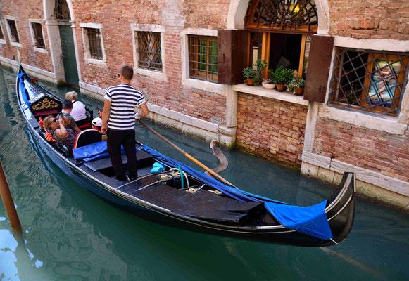 14 - Venedig, Gondoliere in Venedig
