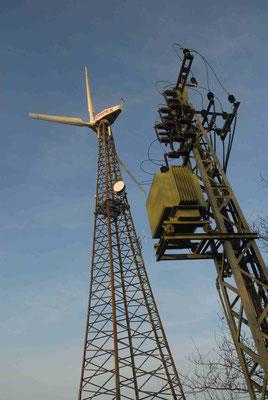 95 - Oldtimerwindrad mit Stromabnehmer in Stahlbauweise bei Hemmoor