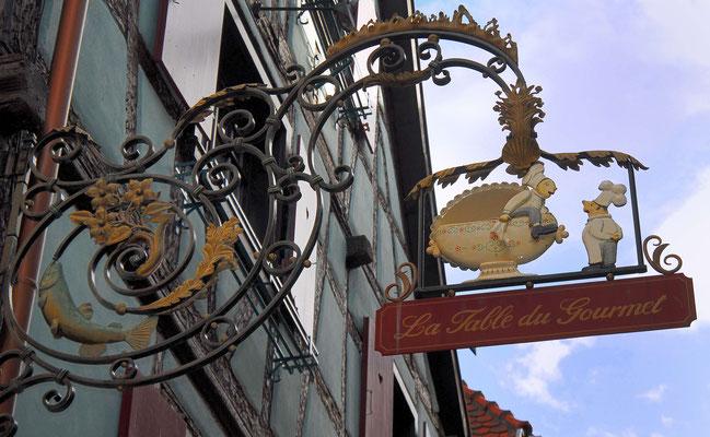 132 - Historisches Gilkdeschild im Elsass für eine Auberge