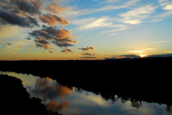 7- Neckar , Spiegelung, Abendhimmel