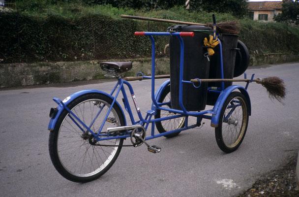 8- Straßenkehrer, Fahrrad, Mailand, Italien
