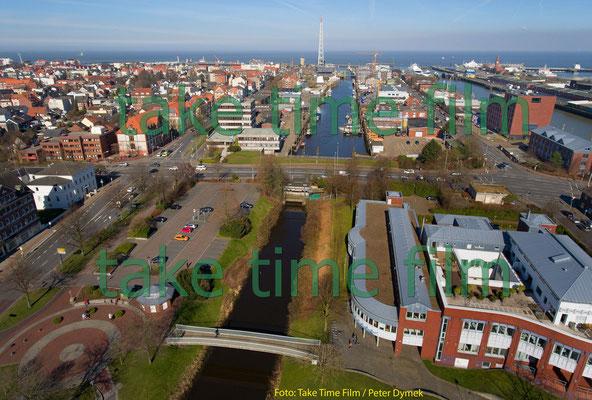2 - Cuxhaven - Blick von oben in Richtung Hafen.