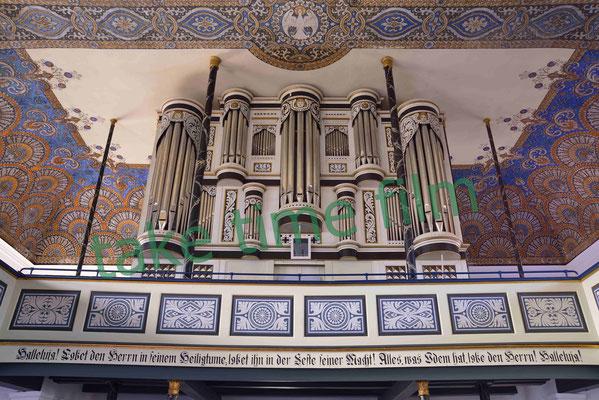 15 - St. Johanniskirche in Oederquart mit Arp-Schnitger-Orgel Nahaufnahme.