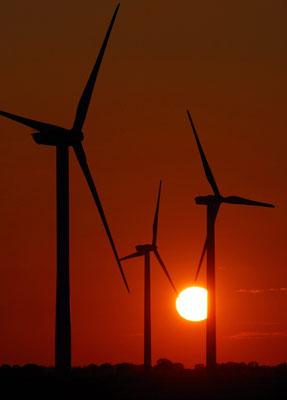 8-  Windrad, Windkraftanlage, Windpark, Windkraft, Windgenerator, Windpark Oederquart, Dämmerung, Niedersachsen, Ökostrom, Sonnenuntergang